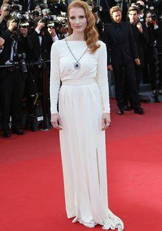 Jessica Chastain, con total white y ondas al agua en el Festival de Cannes.