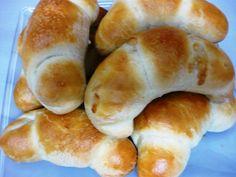 Cornuri de brutar umplute Our Daily Bread, 20 Min, Hot Dog Buns, Bagel, Bread Recipes, Food, Loaf Recipes, Meal, Essen