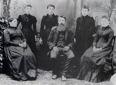 (l-r) Caroline, Carrie, Laura, Charles, Grace and Mary Ingalls.