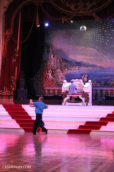 Learning to dance for your wedding - at the Blackpool Tower Ballroom