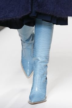 The complete Fendi Fall 2018 Ready-to-Wear fashion show now on Vogue Runway. Chunky High Heels, High Heel Boots, Bootie Boots, Shoe Boots, Blue Knee High Boots, Snow Boots Women, Cowboy Boots Women, Fendi, Cowboy Shoes