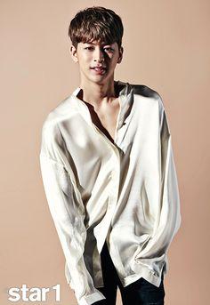 After a long wait, iKON has made a bold comeback. After improving their skills in pre-debut YG Entertainment trainee survival programs 'WIN: WHO IS NEXT' and 'MIX & MATCH̵… Chanwoo Ikon, Kim Hanbin, Bobby, Sassy Diva, Ikon Member, Winner Ikon, Yg Artist, Hip Hop, Ikon Debut