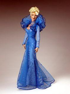 Poupée - robe de cérémonie ~ (Poupées + Tout en bleu)