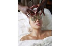 How to Make a Hot Compress for Eyes