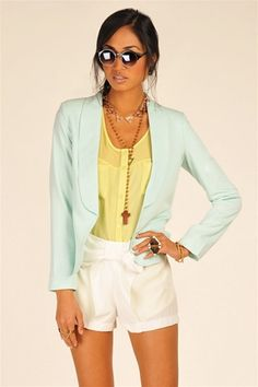 Pastel Blazer - Mint I would have to have longer shorts or slacks But I love the soft clean colors Cute Summer Outfits, Cool Outfits, Fashion Outfits, Womens Fashion, Mint Blazer, Casual Trends, Spring Summer Fashion, Passion For Fashion, Casual Looks