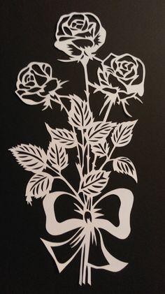 Paper cut paper cut modern art rose bouquet by WattwurmAllerlei Kirigami, Paper Cutting Templates, Origami Templates, Box Templates, Flower Henna, Paper Stars, Paper Snowflakes, Scroll Saw Patterns, Art Images