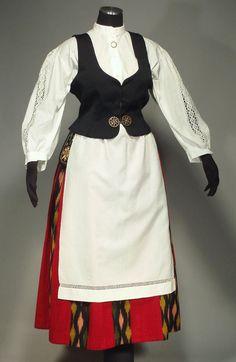 Folk Costume from Finland [Jalasjarvi] ethnic wool ikat skirt apron blouse vest