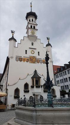 #Rathaus von #Allgäu, wo viele #Hochzeiten durchgeführt werden. Big Ben, Building, Travel, Rv, Travel Advice, Viajes, Buildings, Destinations, Traveling