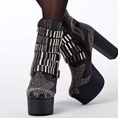 Jeffrey Campbell hell yes All studs and metal in tact... Bottoms have a few flaws that you cannot notice while wearing ..says 7.5 can fit an 8 Jeffrey Campbell Shoes Platforms