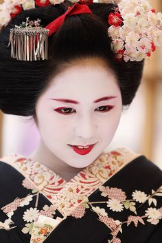 梅花祭 Baikasai (Plum Blossom) Festival, 京都 北野天満宮 Kitano Tenmangu Shrine, Kyoto, Japan by Teruhide Tomori, via Flickr