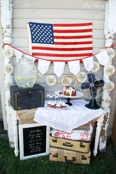 {Ella Claire}: Vintage Patriotic Party Decor Ideas !