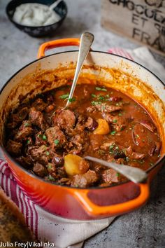 Solyanka - This Russian Sweet and Sour Beef stew is a meat lover's heaven. It's made with beef, smoked kielbasa sausage, bacon, mushrooms and more! Extremely satisfying and practically cooks itself. Russian Dishes, Russian Recipes, Russian Foods, Curry Recipes, Meat Recipes, Cooking Recipes, Cake Recipes, Recipies, Dinner Recipes