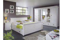 Sage bedroom complete - Best Home Decorating Ideas - How To Design A Room - homehomedecor Sage Bedroom, Bedroom Sets, Bedroom Country, German Decor, Bedroom Furniture, Home Furniture, Bed Sizes, Modern Bedroom, Bed Frame
