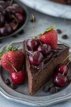 Chocolate Berry Mud Cake ~ Classic chocolate mud cake recipe with chocolate ganache. Top with fresh berries during the summer.