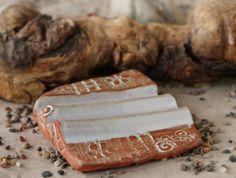 """Seifenschalen - Seifenablage """"Trockenwelle klein"""" - perlmutt - ein Designerstück von SILKERAMIK bei DaWanda"""