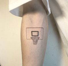 Basketball Photography Backgrounds - Basketball Posters Signs - Basketball Crafts To Make - Hai Tattoos, Sport Tattoos, Forearm Tattoos, Sleeve Tattoos, Tatoos, Basketball Tattoos, Basketball Quotes, Basketball Crafts, Basketball Posters