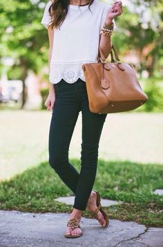 Casual styles make for one of the best cute summer work outfits for women! #summerworkoutfits #workoutfitswomen #summerworkoutfitsoffice #office #summer #work