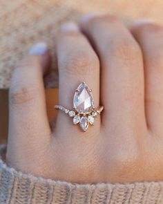 Nature Inspired Emerald Engagement Ring Set Rose Gold Engagement Rings Branch and Wedding Emerald Ring - Fine Jewelry Ideas Morganite Engagement, Rose Gold Engagement Ring, Engagement Ring Settings, Diamond Wedding Bands, Wedding Rings, Boho Wedding Ring, Unique Vintage Engagement Rings, Elegant Wedding, Stacked Engagement Ring