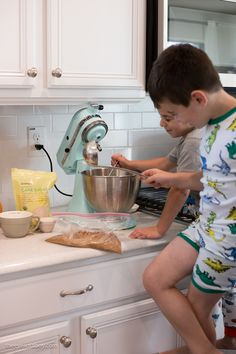 Pumpkin Ice Cream Pie Recipe - Wildly Charmed Cream Pie Recipes, Pumpkin Pie Recipes, Pumpkin Ice Cream, A Pumpkin, Ice Cream Pies, Charmed
