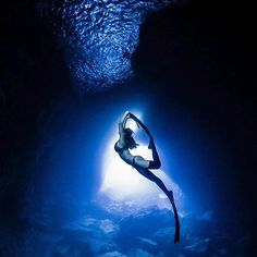 Beauty in the blue Freediver @sunah_jun @neo_freediver #deeperbluephoto #freediver #girlsthatfreedive #oceans #freediving #freedive #freediveart #freedivingphotography #epic #underwaterphotography #beautiful #explore #apnea #onebreath #diving #diverlife #saltlife #picoftheday #sundayfunday #underwaterworld http://ift.tt/2H5pOol