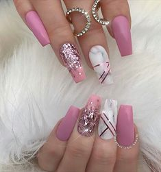 #pinknails