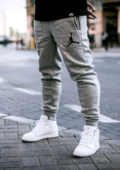 Varsity sweatpant #pants #menswear #fashion