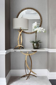 hallway decorating 729372102131981415 - 30 Fabulous Small Entryway Decorations To Enhance The Beautiful Of Small Space Source by decorits Hallway Table Decor, Narrow Hallway Decorating, Foyer Decorating, Decorating Small Spaces, Entryway Decor, Room Decor, Hallway Decorations, Budget Decorating, Small Entryway Organization