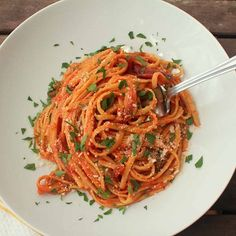 Spicy Linguini  Jalapeno and red pepper flakes spice up this simple tomato sauce with linguine.