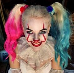 Harley and Pennywise crossover/ Devil Dish Harley Quinn Halloween, Joker And Harley Quinn, Maquillage Halloween Clown, Halloween Makeup, Halloween Costumes, Clown Costume Women, Costumes For Women, Costume Makeup, Horror Makeup