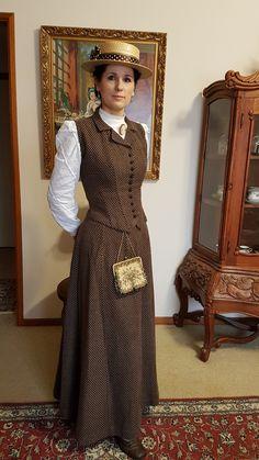 Edwardian Clothing, Edwardian Dress, Historical Clothing, 1890s Fashion, Edwardian Fashion, Vintage Fashion, Vintage Gowns, Vintage Outfits, Pioneer Clothing