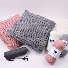 Ravelry: Tunisian fishnet cushion pattern by Hobbii Design Crochet Simple, Easy Crochet Projects, Knit Or Crochet, Free Crochet, Crochet Afghans, Tunisian Crochet Patterns, Crochet Cushion Pattern, Crochet Cushions, Fabric Yarn
