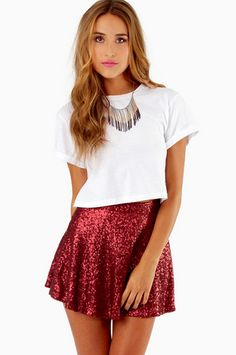 Cute holiday look for a party! Skater Skirt Outfit, Skirt Outfits, Dress Skirt, Skater Skirts, Sequin Pencil Skirt, Sequin Mini Skirts, Christmas Skirt, Nye Outfits, Girl Fashion