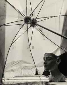 Herbert List, Nefertiti 1936 Modern Photography, Abstract Photography, Street Photography, Vintage Photography, Herbert List, Andreas Gursky, Information Art, Magnum Photos, Best Photographers
