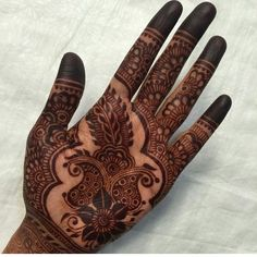 Simple elegant mehendi design worth trying Stylish Mehndi Designs, Beautiful Mehndi Design, Best Mehndi Designs, Bridal Mehndi Designs, Henna Tattoo Designs, Bridal Henna, Mehndi Design Pictures, Mehndi Images, Mehendi