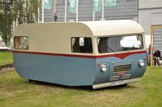 Looks like the maid on the Jetsons. Vintage Motorhome, Vintage Rv, Vintage Campers Trailers, Vintage Caravans, Camper Trailers, Tiny Camper, Camper Caravan, Camper Life, Truck Camper