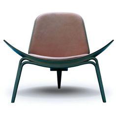 Shell chair - Lounge Chair by Hans J Wegner - Carl Hansen & Søn Danish Furniture, Design Furniture, Chair Design, Library Furniture, Furniture Movers, Wooden Furniture, Scandinavian Chairs, Scandinavian Living, Console Design
