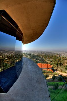 Helix 360 Rotating Home in San Diego.... a fully functional rotating structure