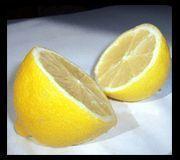 Remedios caseros para quitar puntos negros | Mis Remedios Caseros limón y bicarbonato y frotar la piel del rostro previamente humedecida; una vez por semana