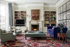 Georgian homes - A Georgian house in the Cotswolds with quiet, elegant interiors by Joanna Plant – Georgian homes Living Room Colors, My Living Room, Living Room Decor, Georgian Interiors, Georgian Homes, Cotswold House, Home Design, Interior Design, Design Ideas