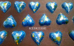 BOMBONES DE CHOCOLATE BLANCO COLOREADO http://keskesse.blogspot.com.es/2014/06/bombones-de-chocolate-blanco-coloreado.html