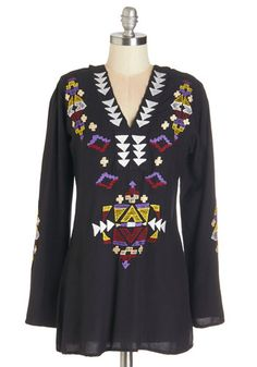 San Jose Sunset Tunic. You never imagined a sky full of colors could be so breathtaking until you witnessed it with a backdrop of West Coast mountains while styled in this hooded top! #black #modcloth