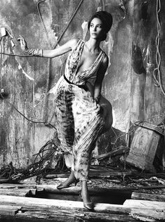Christy I Vogue Italia I July 2010 I Photographer: Steven Meisel I Model: Christy Turlington I Editor: Karl Templer. Black and White Steven Meisel, Christy Turlington, Top Models, Image Fashion, Magazine Vogue, Templer, Richard Avedon, Linda Evangelista, Editorial Fashion