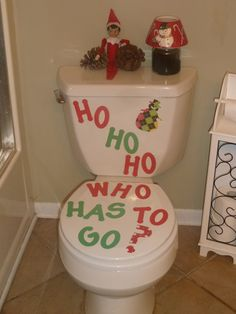 Most up-to-date Images Elves Love Potty Humor Our Elf on the Shelf, Fred, loves Potty Humor! Popular Elves Love Potty Humor Our Elf on the Shelf, Fred, loves Potty Humor! VOTE for your favorite photo Merry Christmas, All Things Christmas, Christmas Holidays, Christmas Crafts, Christmas Decorations, Awesome Elf On The Shelf Ideas, Elf Auf Dem Regal, Elf Magic, Elf On The Self