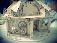 A model of the show set, I live for extravagant models like this!
