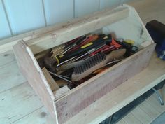Tool Box from Wooden Pallets