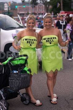 Twins from around world attend Twins Days in Twinsburg | Demotix.com
