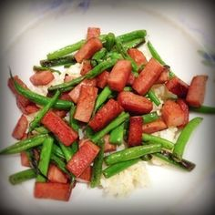 Spam is a bona-fide food group for this Hawaii girl and her family. You'd be amazed at how many string beans are eaten this way. Yummy Yummy, Delicious Food, String Bean Recipes, Tropical Christmas, Tiki Party, Lamb Recipes, Group Meals, Ohana, Spam