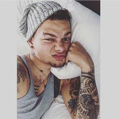 Favorite singer right here. What I would do to actually see him live or in person . hopefully one day Ill find out a way to see him . keep it up @kanebrown_music you are amazing at what you do  and the best part is you love what you do and that makes it good for you . even if you have some struggles in your career just remember theres always something or someone that can help you some how . keep it up  Your my idol   #music #him #love #idol #oneday #please #country #hisattitude #hisvoice…