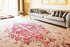 Expert guide for buying quality rugs or carpets for your home. Read more articles on home décor, renovation, interior design from the DecorManzil Blog