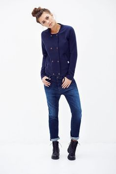 Jagger is a soft Peacoat coloured cardigan with a 90 's baseball look and feel. She 's finished with eight small copper coloured snap buttons and two oblique side pockets. Made out of GOTS certified Organic Cotton Fair Trade Clothing, Fair Trade Fashion, Sustainable Clothing, Sustainable Fashion, Sustainable Living, Denim Dye, Ethical Shopping, Denim Branding, Tent Camping